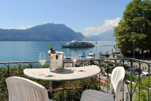 Seehof Hotel Du Lac Weggis The Seehof du Lac is situated in the centre of Weggis and only 25 km from Luzern, on one of the loveliest spots on Lake Lucerne. Guests can enjoy seasonal dishes prepared from fresh regional ingredients in the on-site restaurant.