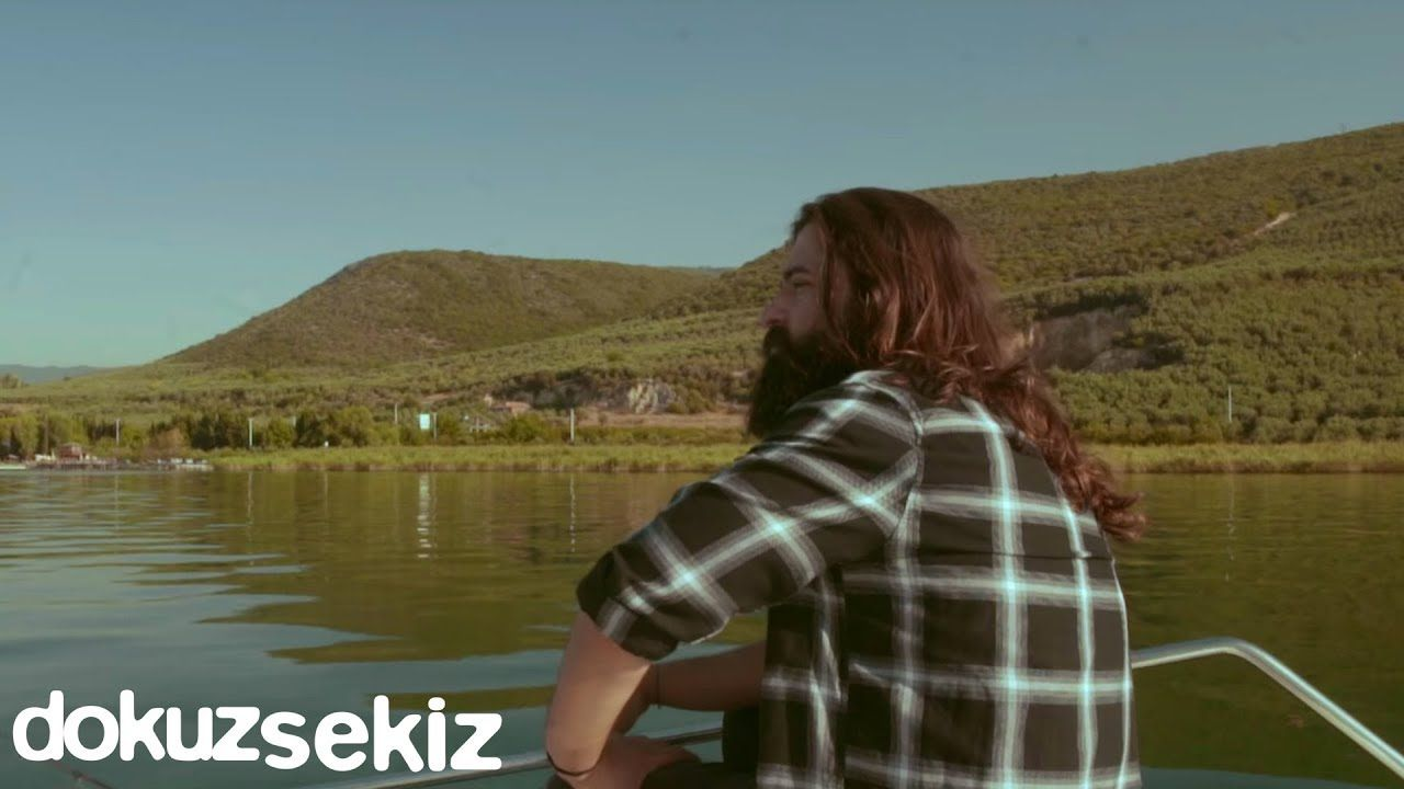 Koray Avci Ask Sana Benzer Official Video Sarkilar Muzik Youtube