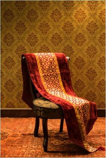 I Love How The Chairs Match But Have Coordinating Fabrics,against The  Tightly Patterned Wallpaper