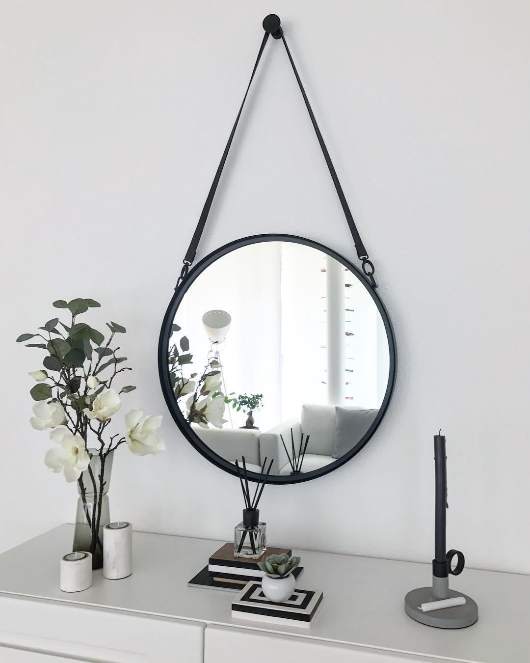 Runder Wandspiegel Liz Mit Schwarzer Lederschlaufe Bathroom Inspiration Decor Bathroom Interior