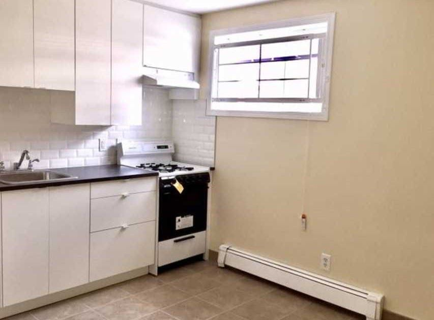 Awesome 1 Bedroom Basement Suites For Rent In Surrey Bc Craigslist In 2020 Apartments For Rent 3 Bedroom House Suites