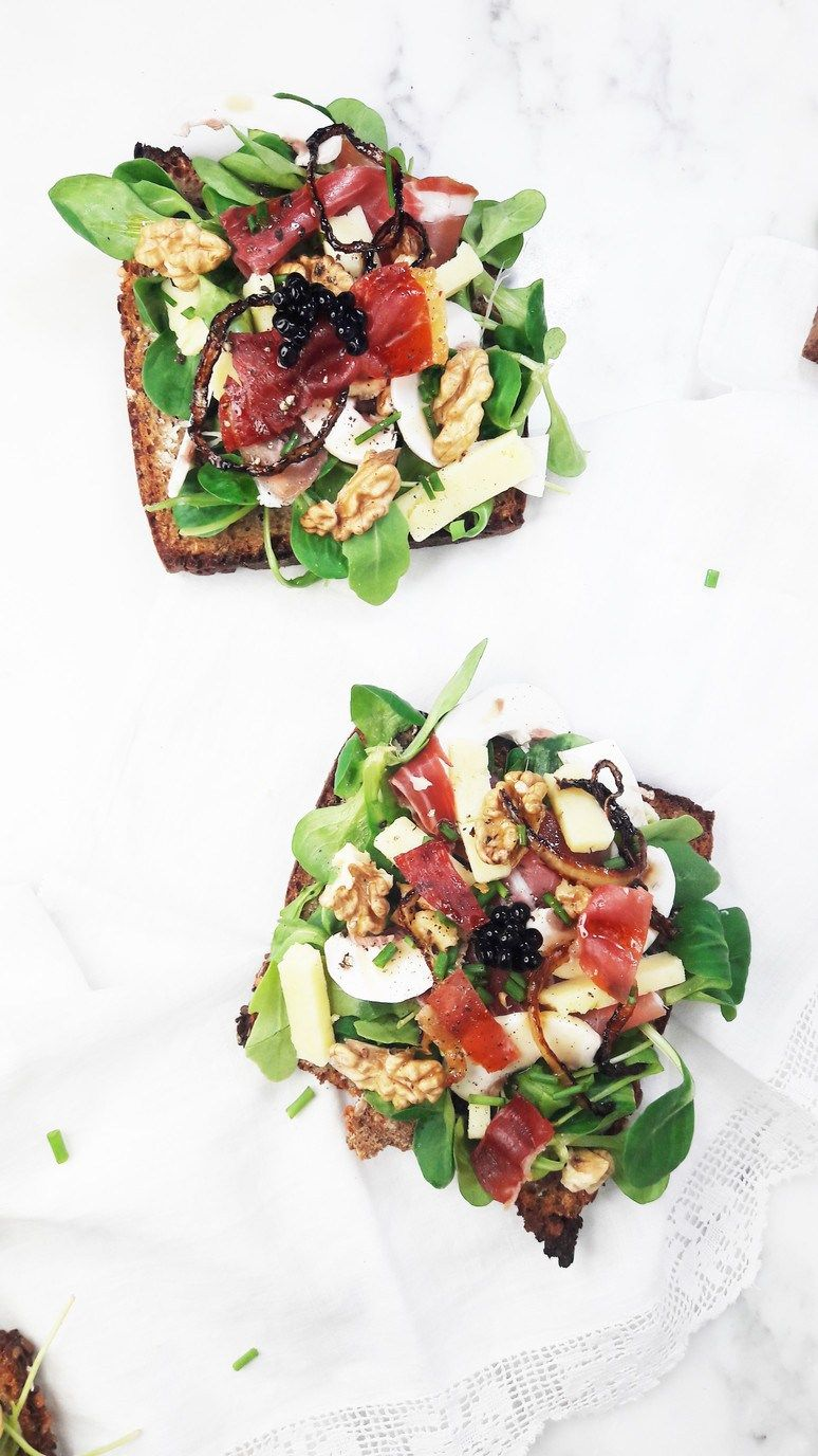 This Bayonne Ham Laguiole Cheese & Balsamic Vinegar Tartine will bring your snack break to a whole new level! | ahedgehoginthekitchen.com