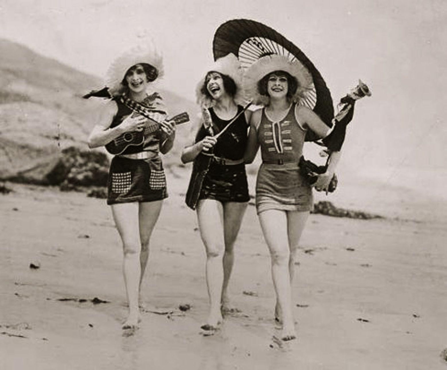 Sport anni 20, costumi da bagno di lana o di jersey.   Saltair ...
