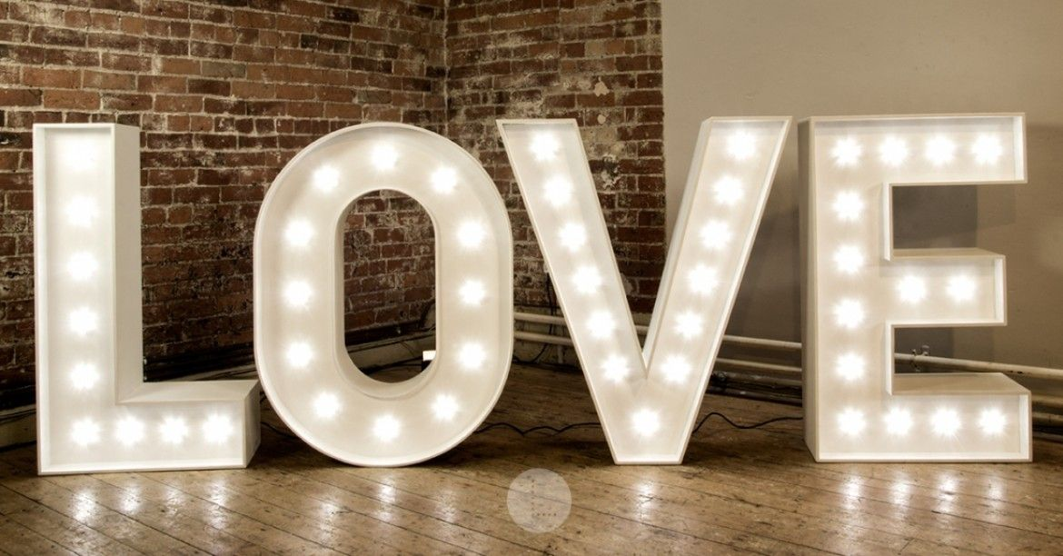 Light Up Letters Make An Impact With These Beautiful Illuminated Letters They Provide An Exciting Backdrop For Your Wedding Recept Val S Dirty 30 In 2019