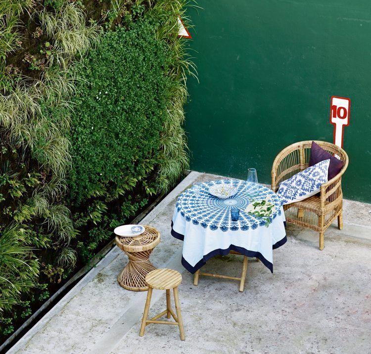 Skandinavische Terrasse einrichten-gartenmöbel-bambus-rattan ...