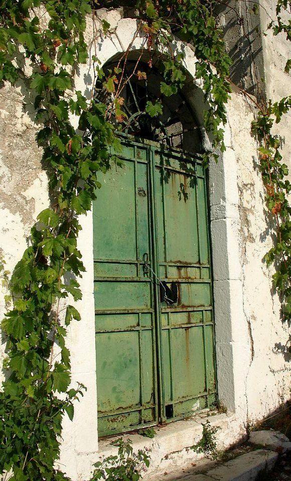 Green door.. Assos, Kefalonia Island, Greece   ..rh