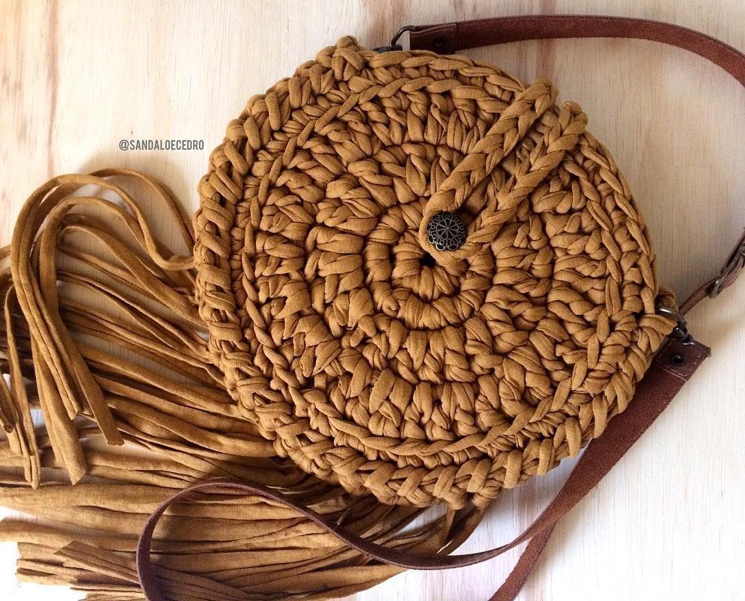 4f277b61a Bolsa boho redonda (pode ser feita sem franjas também) e em outras cores!  Valor em nosso catálogo online! Acesse o site