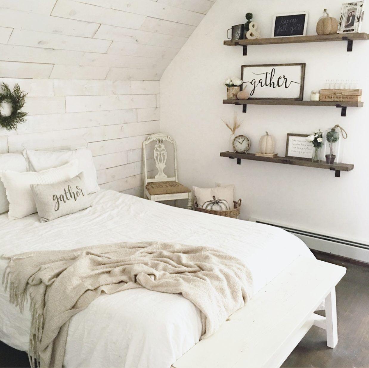 05 Modern Rustic Farmhouse Bedroom Ideas: Farmhouse Bedroom With Shiplap