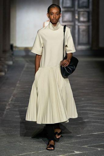 2020春夏プレタポルテ - ジル・サンダー(JIL SANDER) ランウェイ|コレクション(ファッションショー)|VOGUE JAPAN