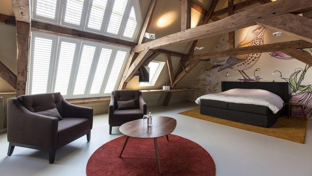 edles luxus loft direkt unter dem dachstuhl #design #loft, Innenarchitektur ideen