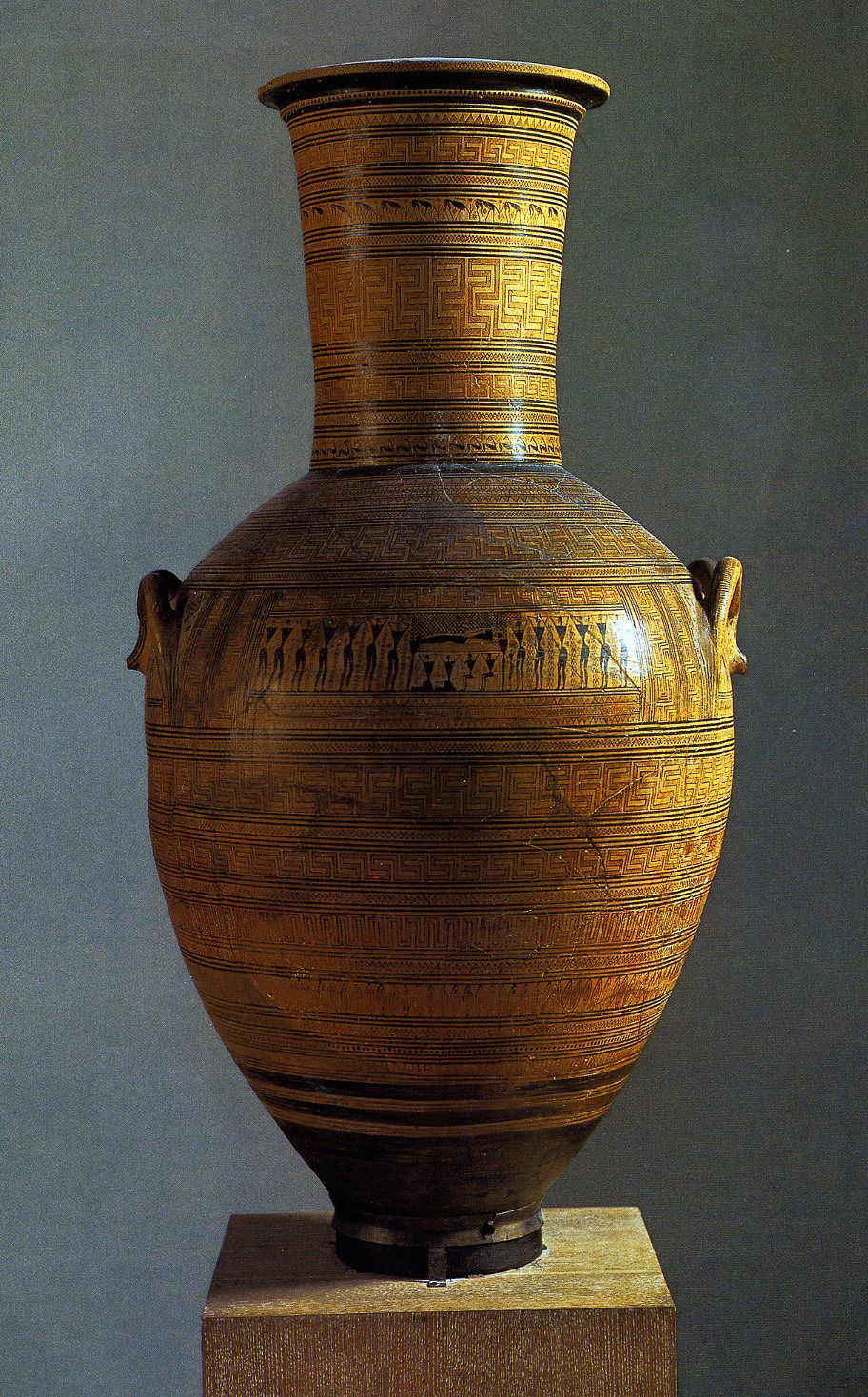Diylon Amphora greek geometric style storage jar 750 BCE http://www.proprofs.com/flashcards/cardshowall.php?title=ancient-greek-art