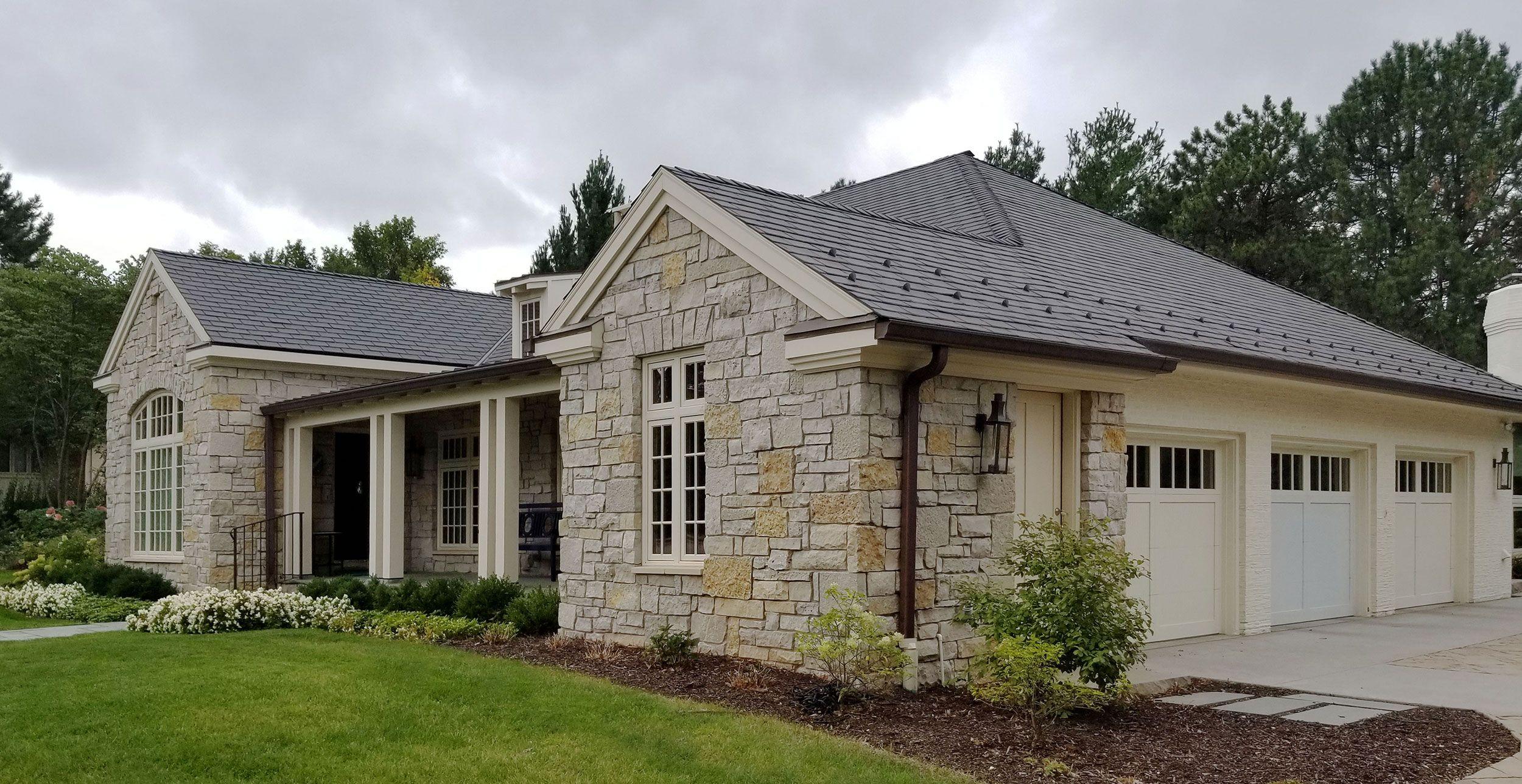 Custom Ashlar And Castle Rock Stone Veneer Siding And Stone Home Stone Houses Ranch House Exterior Stone Veneer