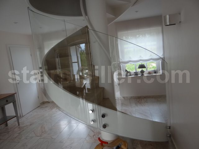 Best Curved Glass Railing At Residential Project In Germany Www 640 x 480