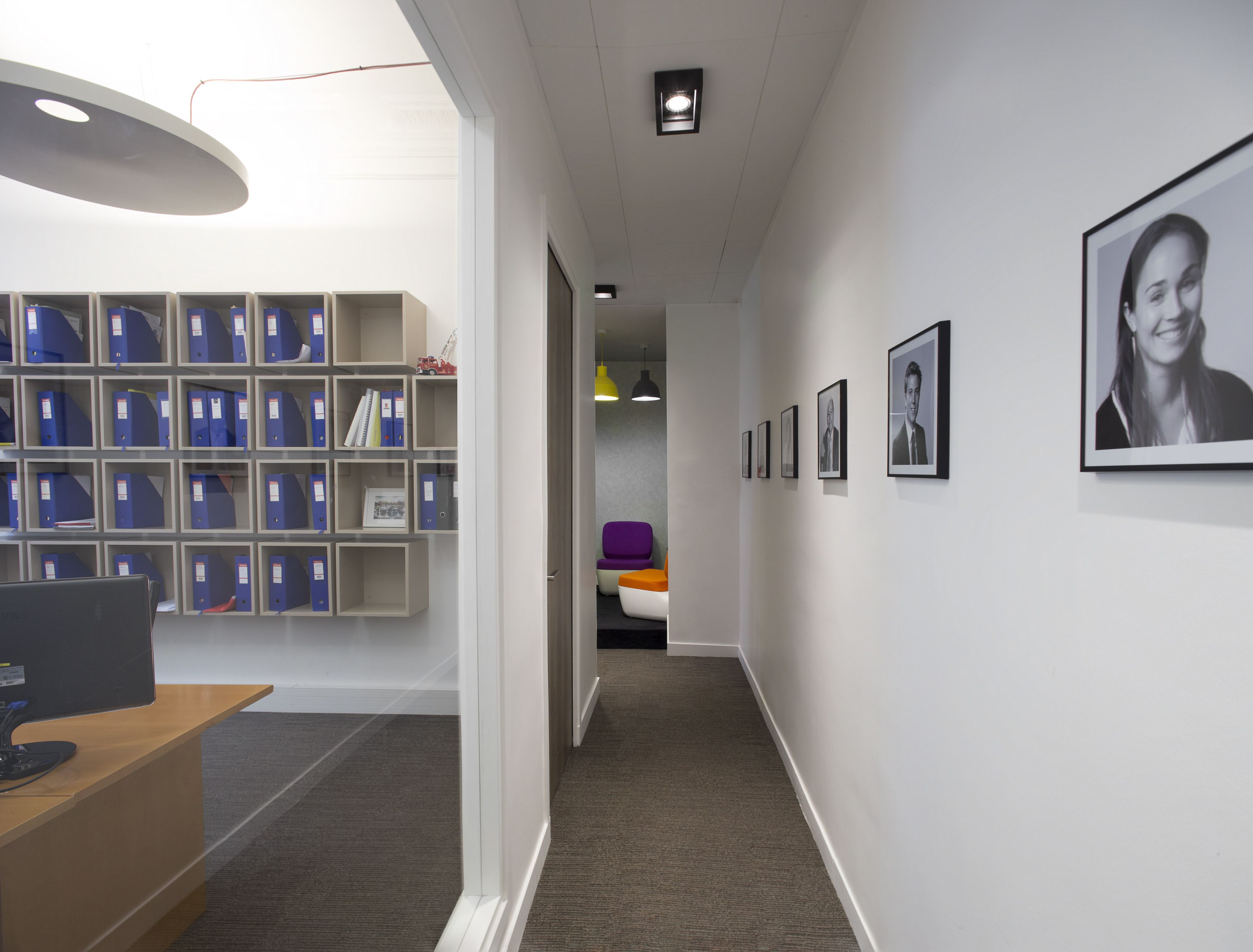 Marvelous Hallway Decoration Architectured By Cléram. #style #design #bureau  #architecture #aménagement