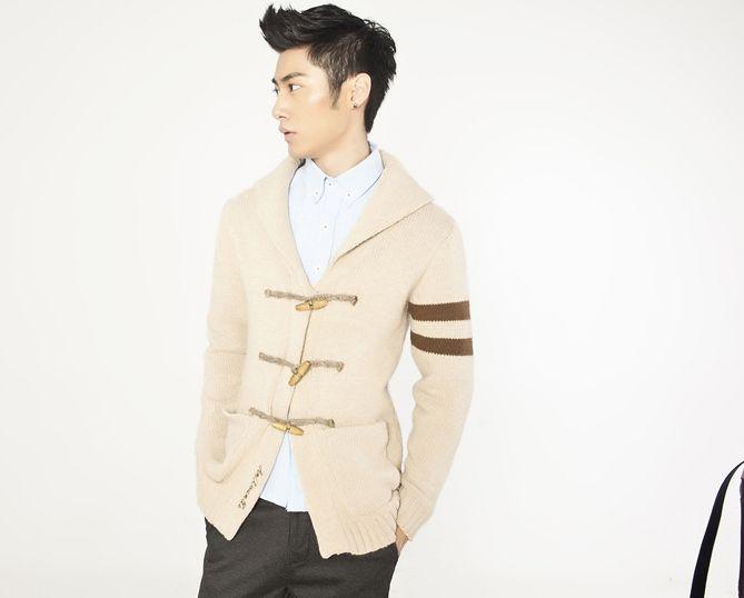 Elegant Big Turndown Collar Horn Button Design Sweater For Men - $26.98
