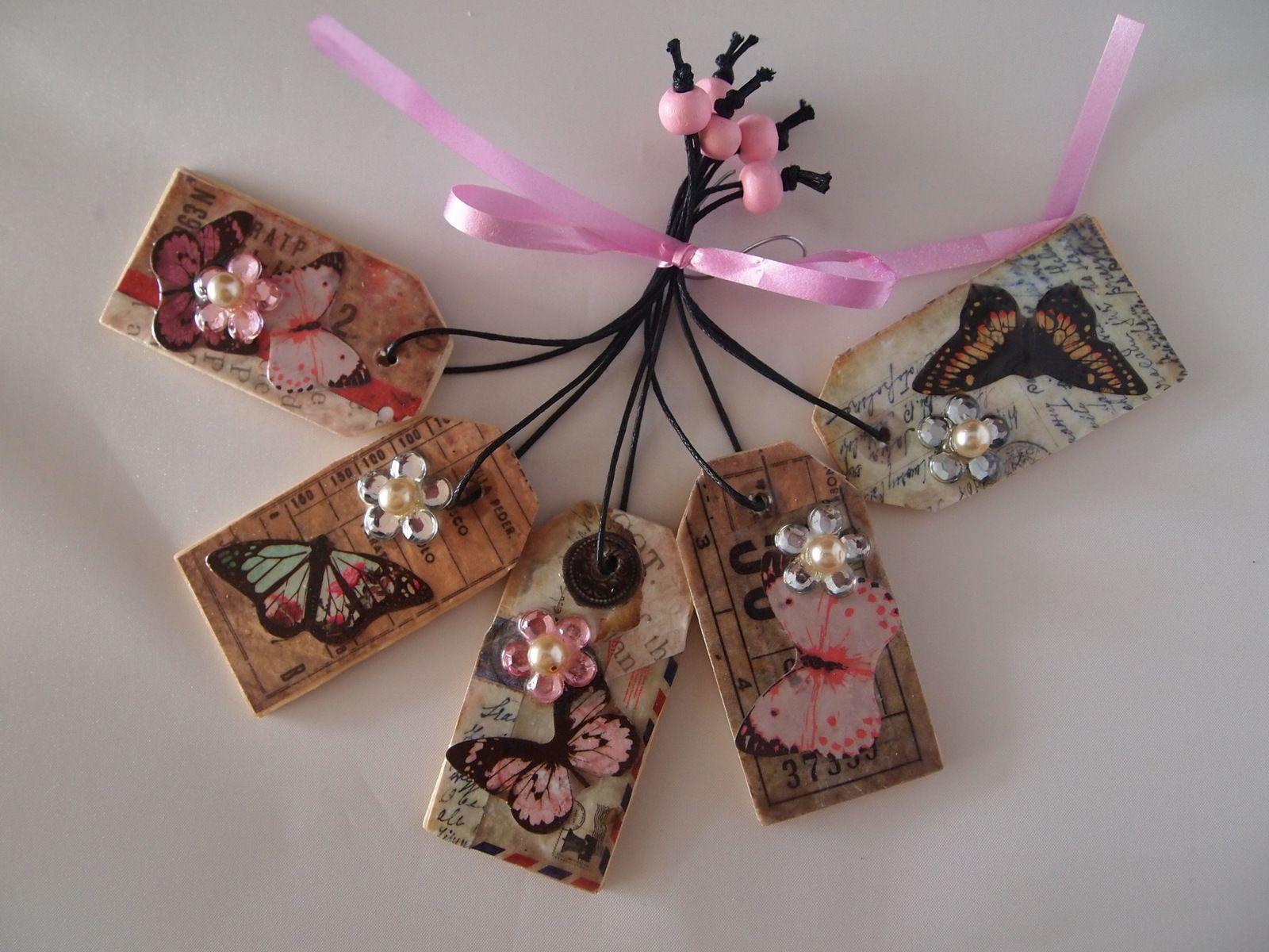 www.facebook.com/qteas set van 5 , 6x3 cm houten labels met koordje en houten kraal set of 5, wooden gift tags appr. 2, 23 inches by 1,3 inches