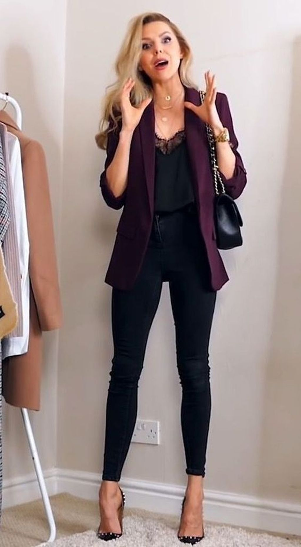 20+ Lovely Winter Work Outfits Ideas For Women 2019 #businessattire