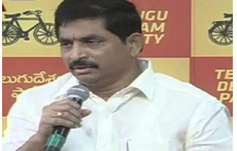 The Anti Corruption Bureau on Tuesday served notices to TDP leader Vem Narender Reddy's son Krishna Keerthan as part of questioning in connection with cash-for-note scam.  He was asked to appear before the ACB on Wednesday(today). Vem Na