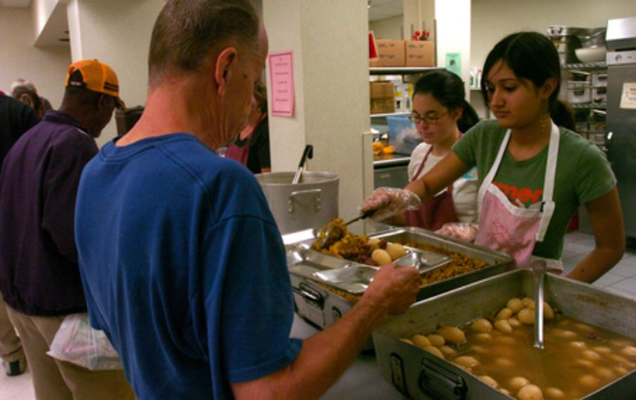 Volunteering At A Soup Kitchens Soup Kitchen Holiday Kitchen
