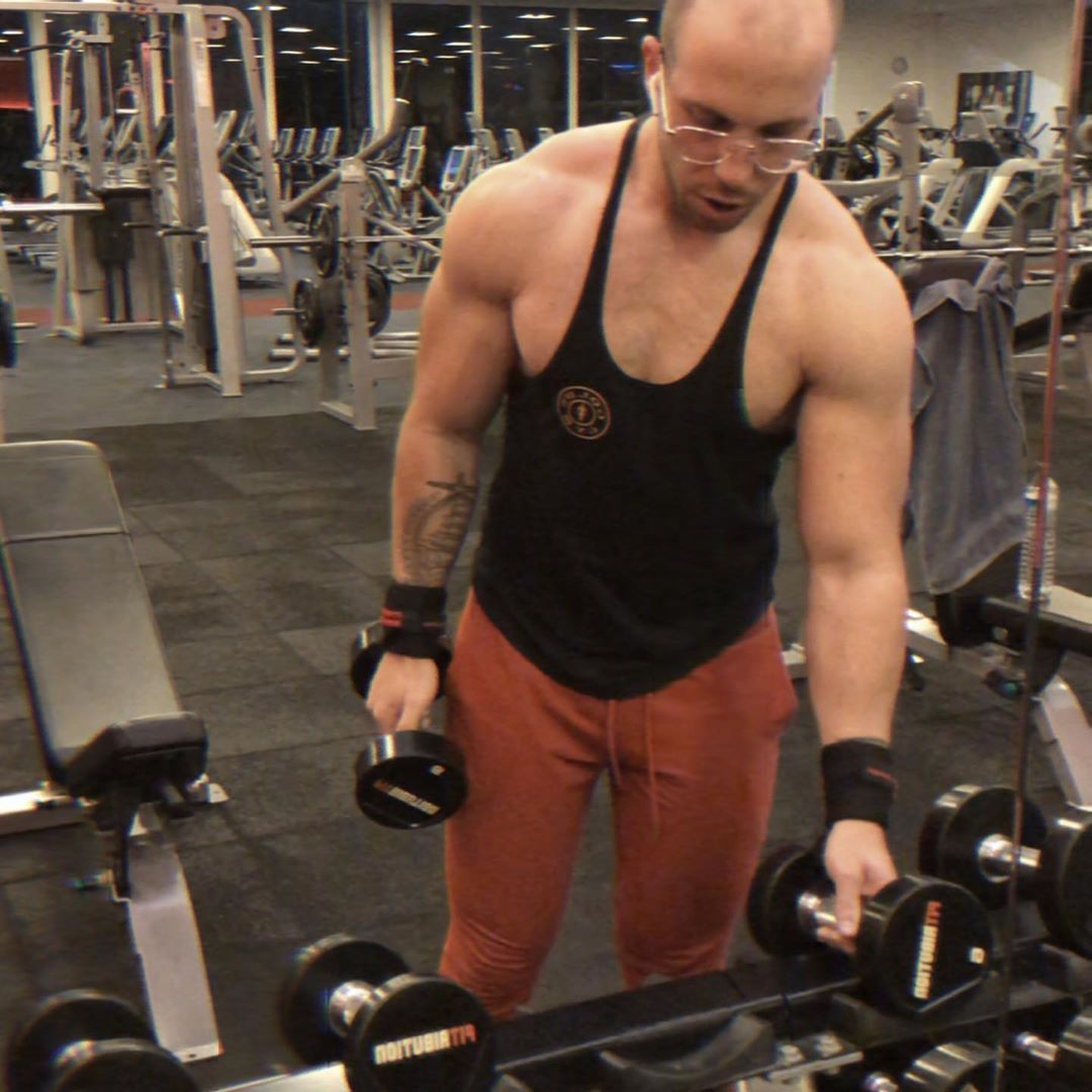 🍔 . . . . #bodybuilding #fitness #fitnessmotivation #motivation #goodtimes #work #workout #classic