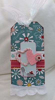 Homemade 'Rubber' Charms using hot glue - clever