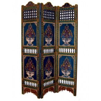 dieser marokkanische raumteiler aus holz vereint eleganz und robustheit eine prachtvolle f lle. Black Bedroom Furniture Sets. Home Design Ideas