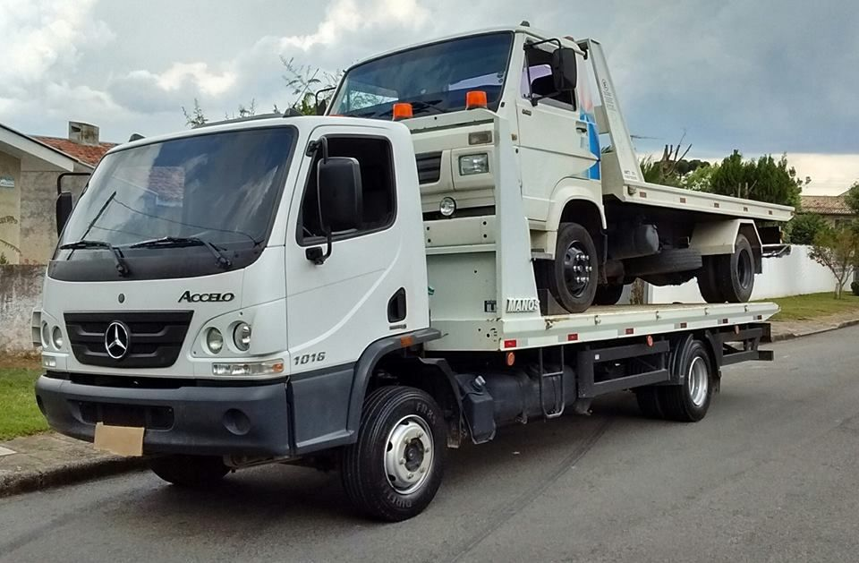 Assistance tow trucks towing tow truck