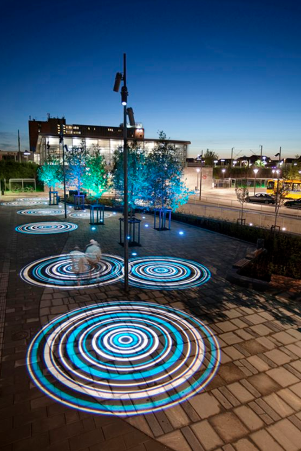 Pin By Drew Huang On Xian Mall Landscape Lighting Design