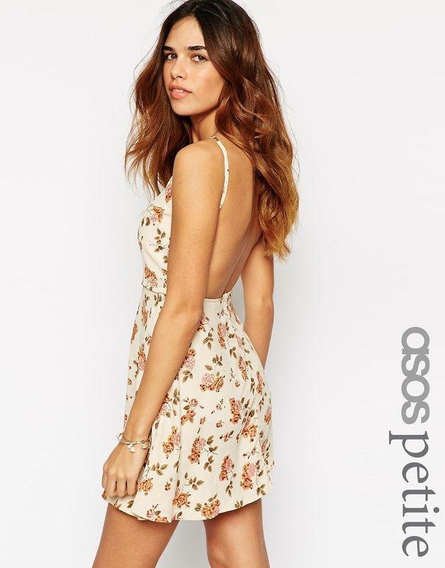 Exclusivite ASOS PETITE - Robe caraco coupe patineuse a dos decouvert et imprime floral vintage chez ASOS mode femme fashion