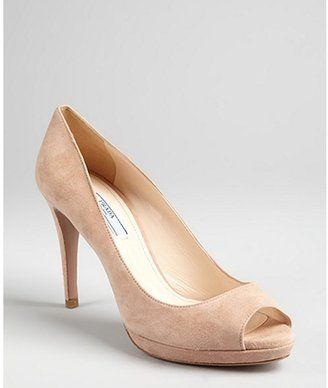 015d010d1ae34 Pin by caroline coffman on Lucy Blue Styleboard | Peep toe pumps ...