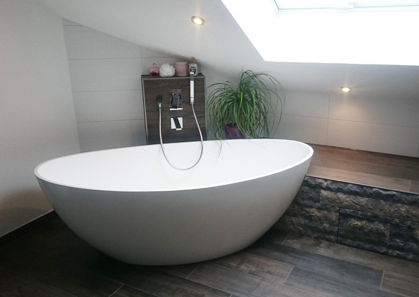 freistehende Badewanne BW-03 XL glänzend aus Mineralguss