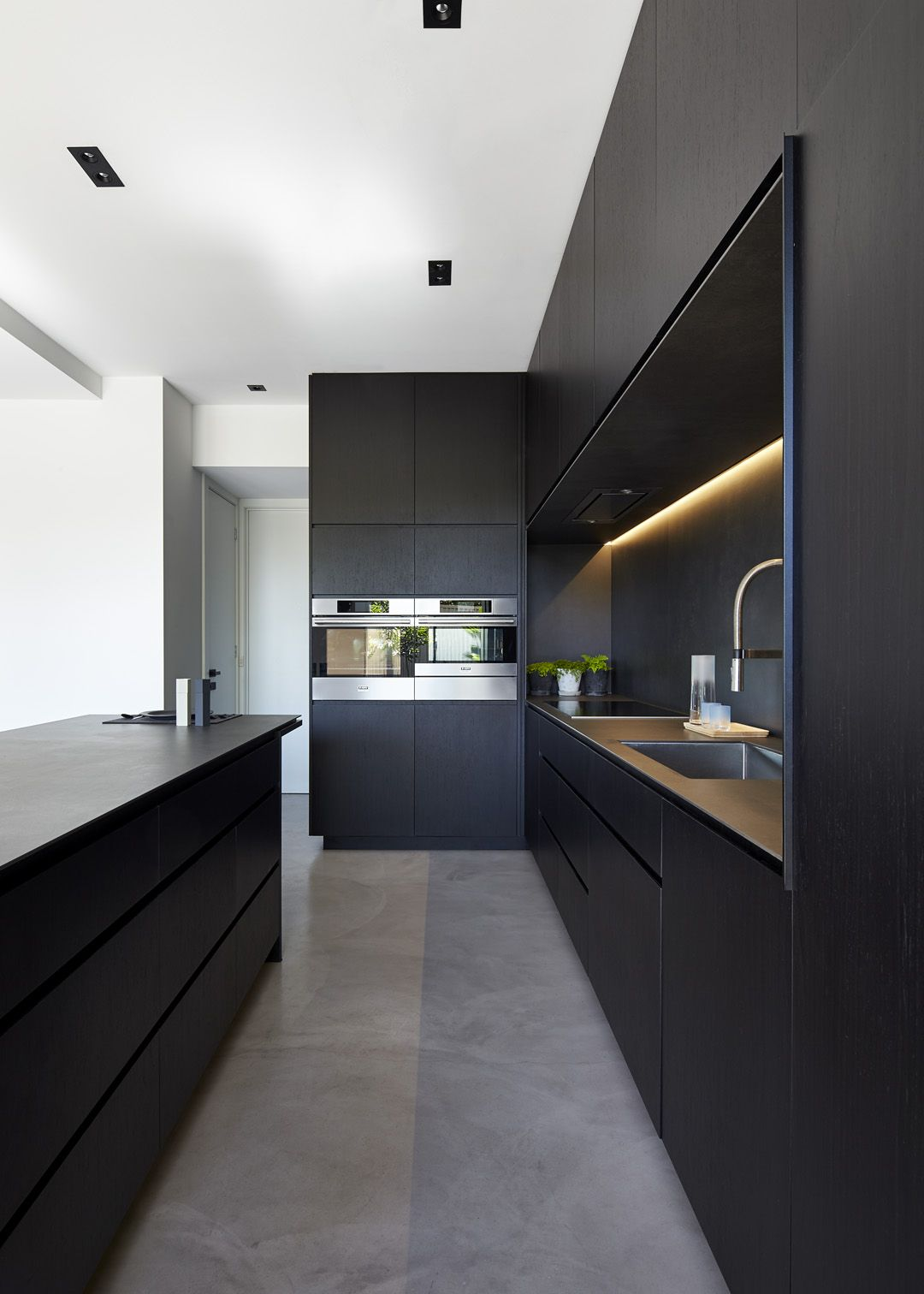 Minimal Design Blog | Black kitchen island, Black kitchens and ...