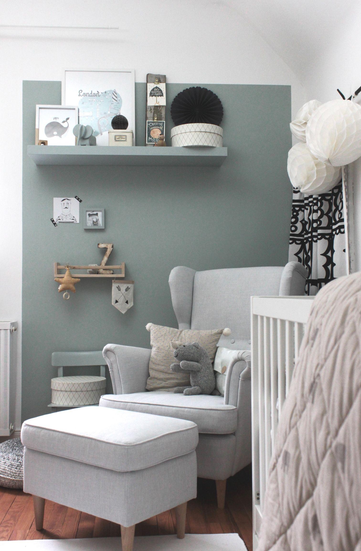 Eine Wand In Salbei Streichen Im Kinderzimmer Www Kolorat De Kolorat Wandfarbe Salbei Kinder Zimmer Graues Zimmer Wohnzimmer Streichen