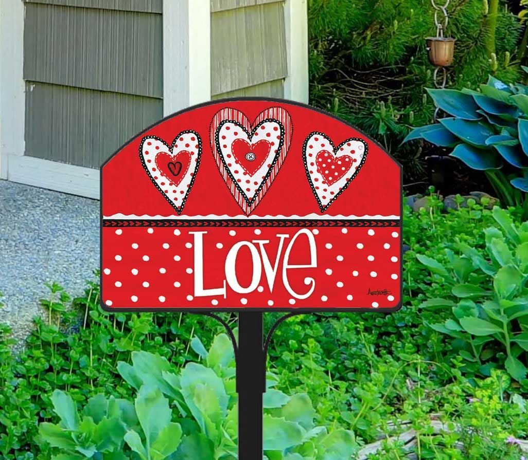 Cute Button Valentine\'s Day Yard Sign looks charming in my yard ...