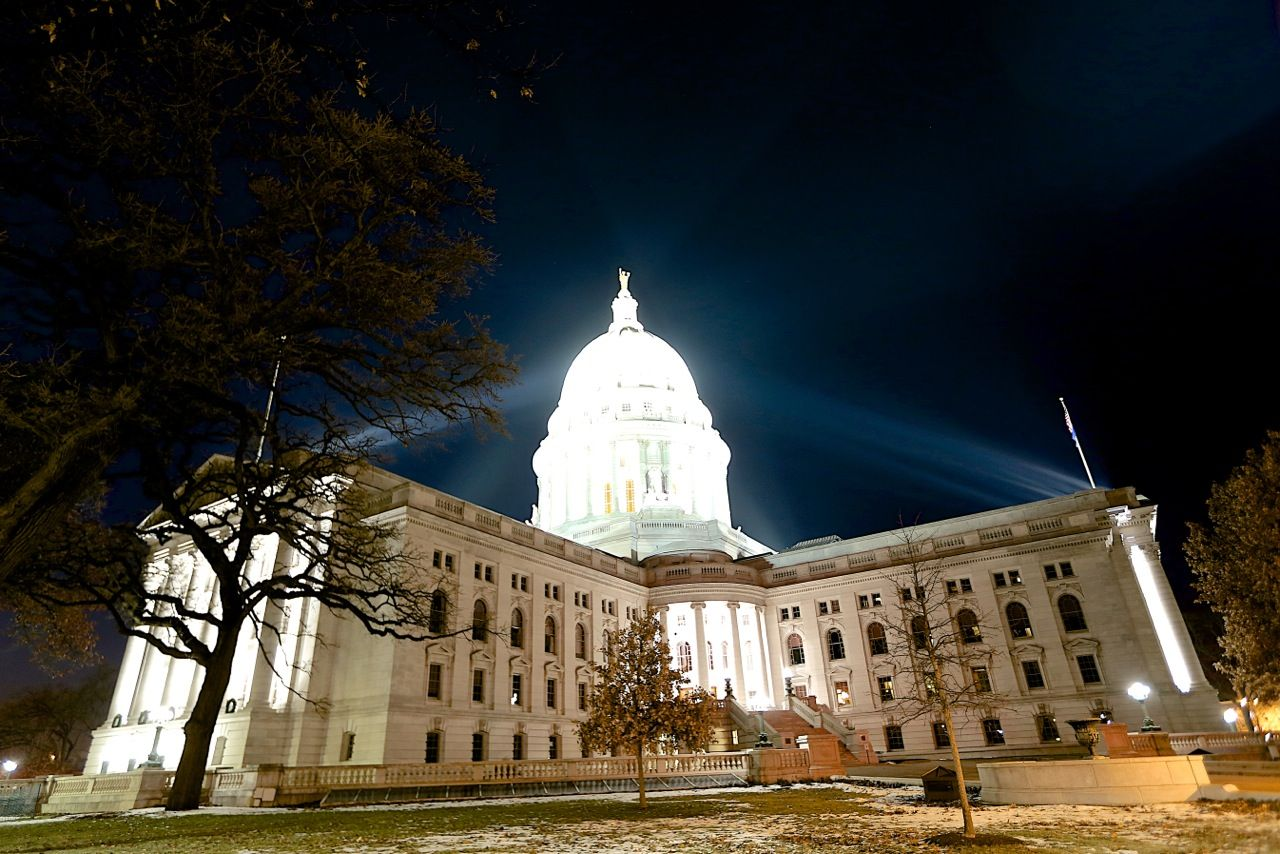 Capitol Building Madison Wi In 2019 Wisconsin Capitol