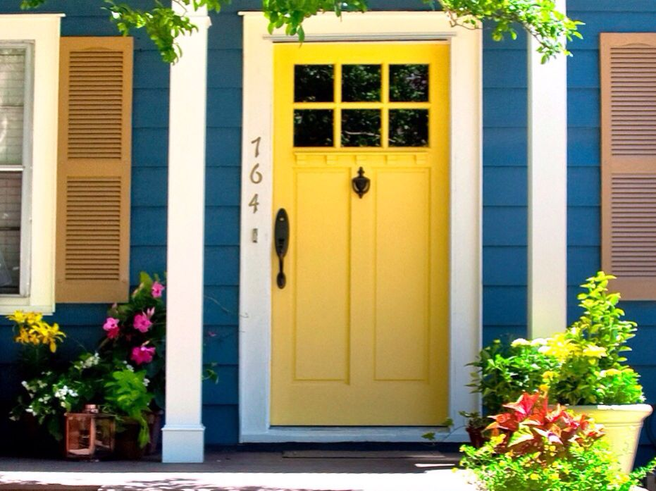 Love that yellow door victorian exterior house paint for Yellow exterior paint colors
