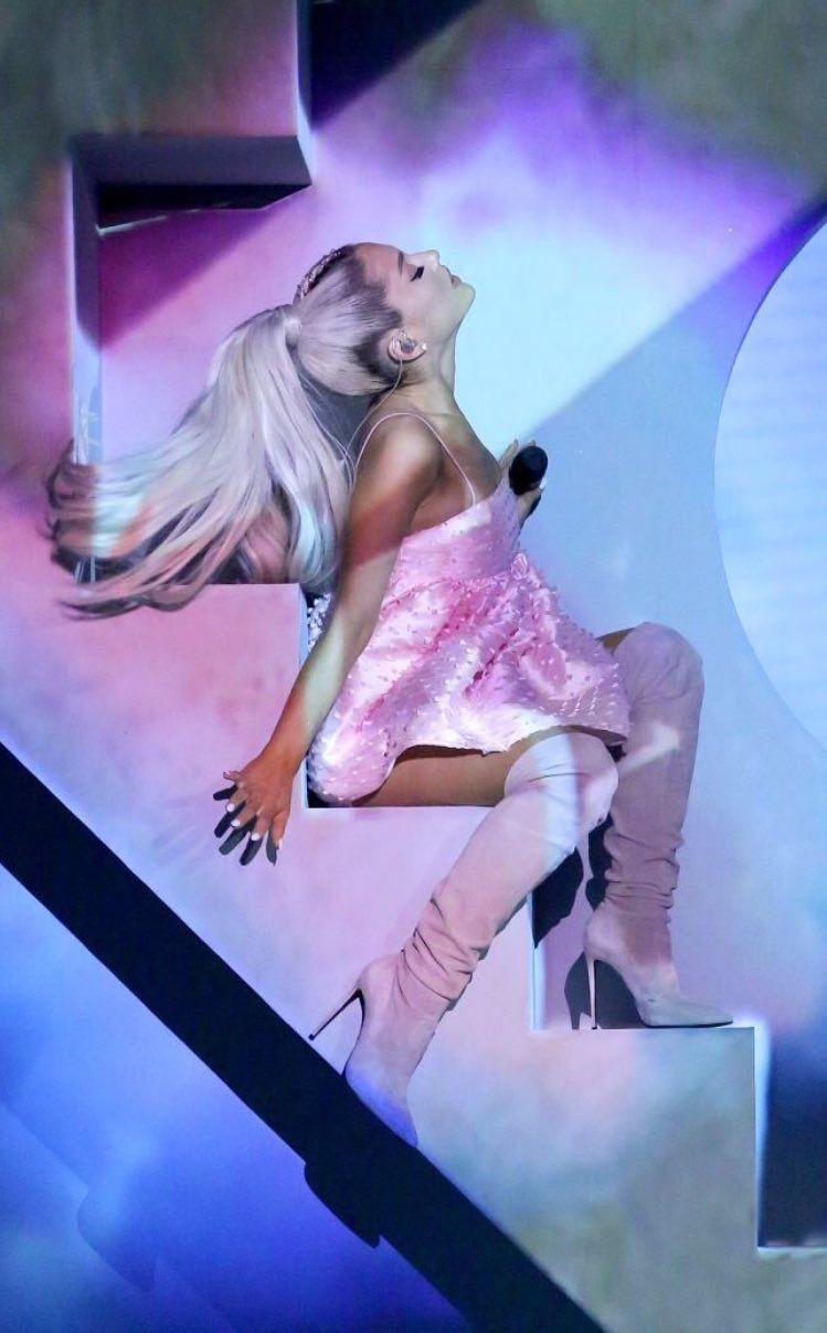 Ariana Grande at Jimmy's Fallon 2018 #ArianaGrande # ...