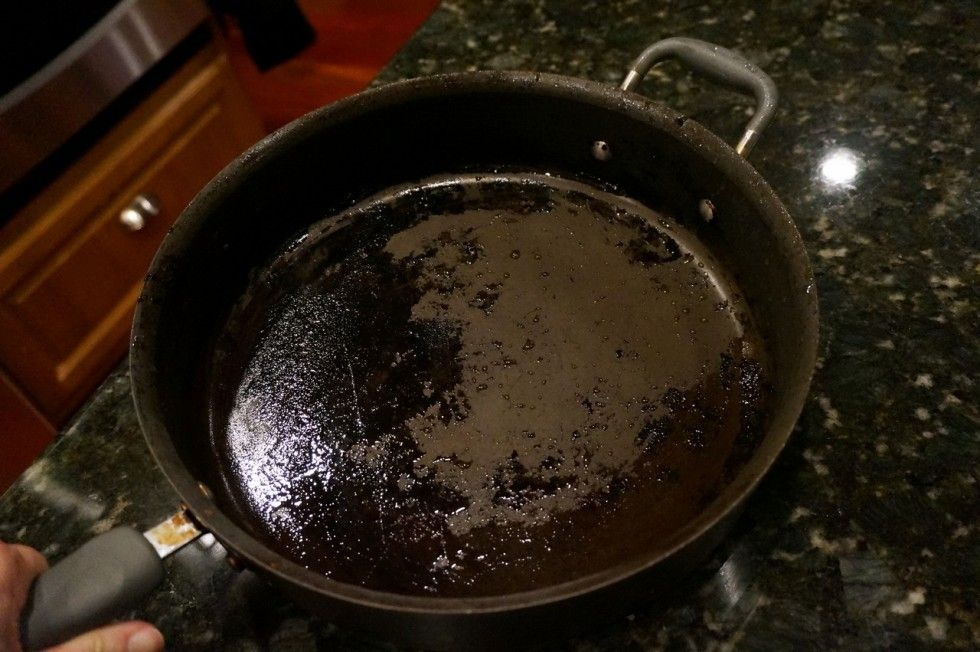 How To Clean A Burnt Pan Cleaning Hacks Cleaning Clean Pots