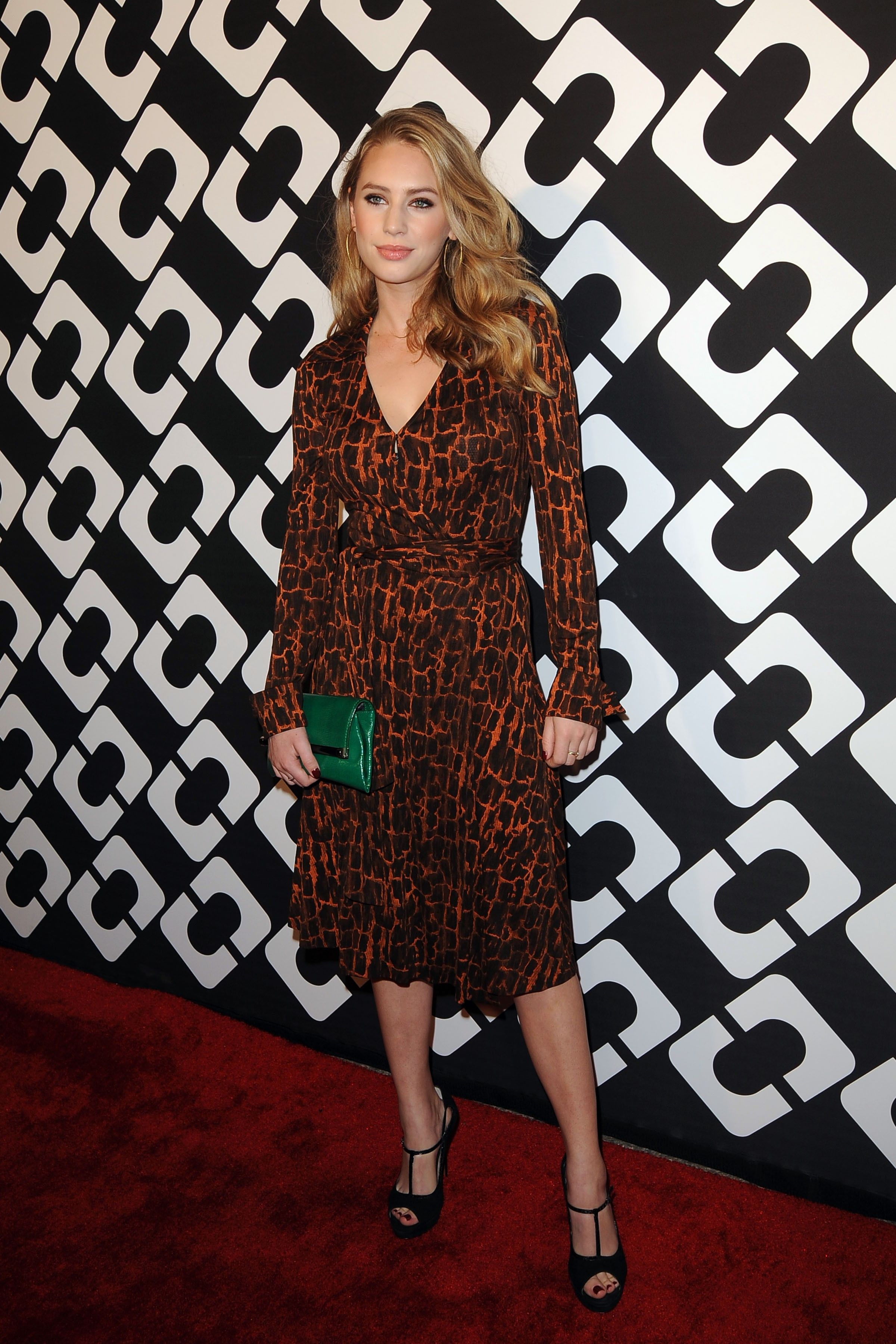 Dylan Penn wears a classic Diane Von Furstenberg wrap dress // The Definitive Guide To New Hollywood Royalty