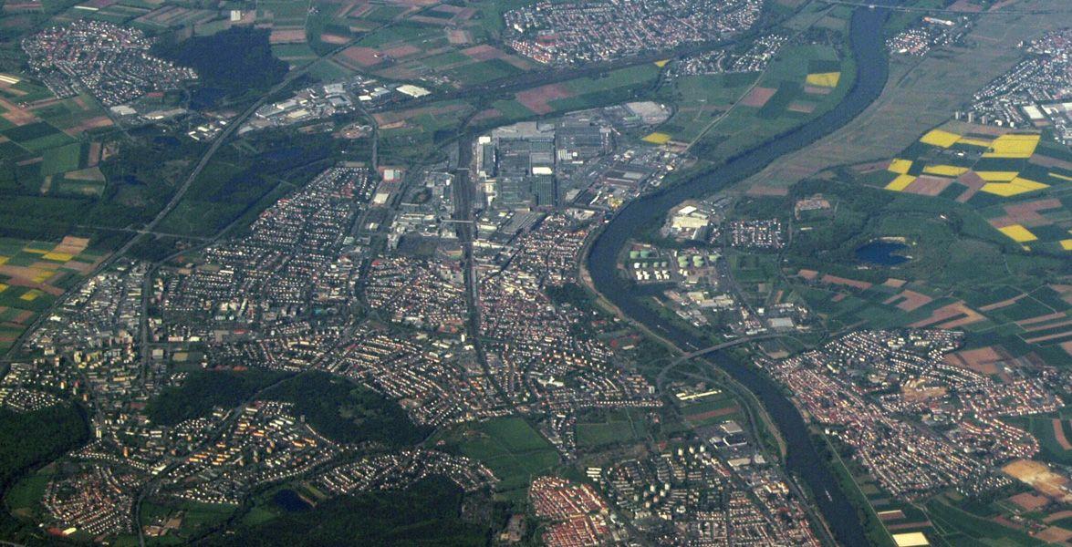 Hochschulen In Russelsheim Hessen Pointer De Flughafen Frankfurt Rhein Main Gebiet Luftaufnahme