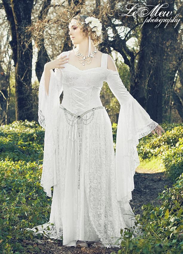 Lady Gwen Medieval Lace Up Gown with Train New! | Wedding Dress ...