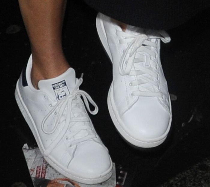 Kendall Jenner in Unisex Adidas 'Stan Smith' Fashion Sneakers