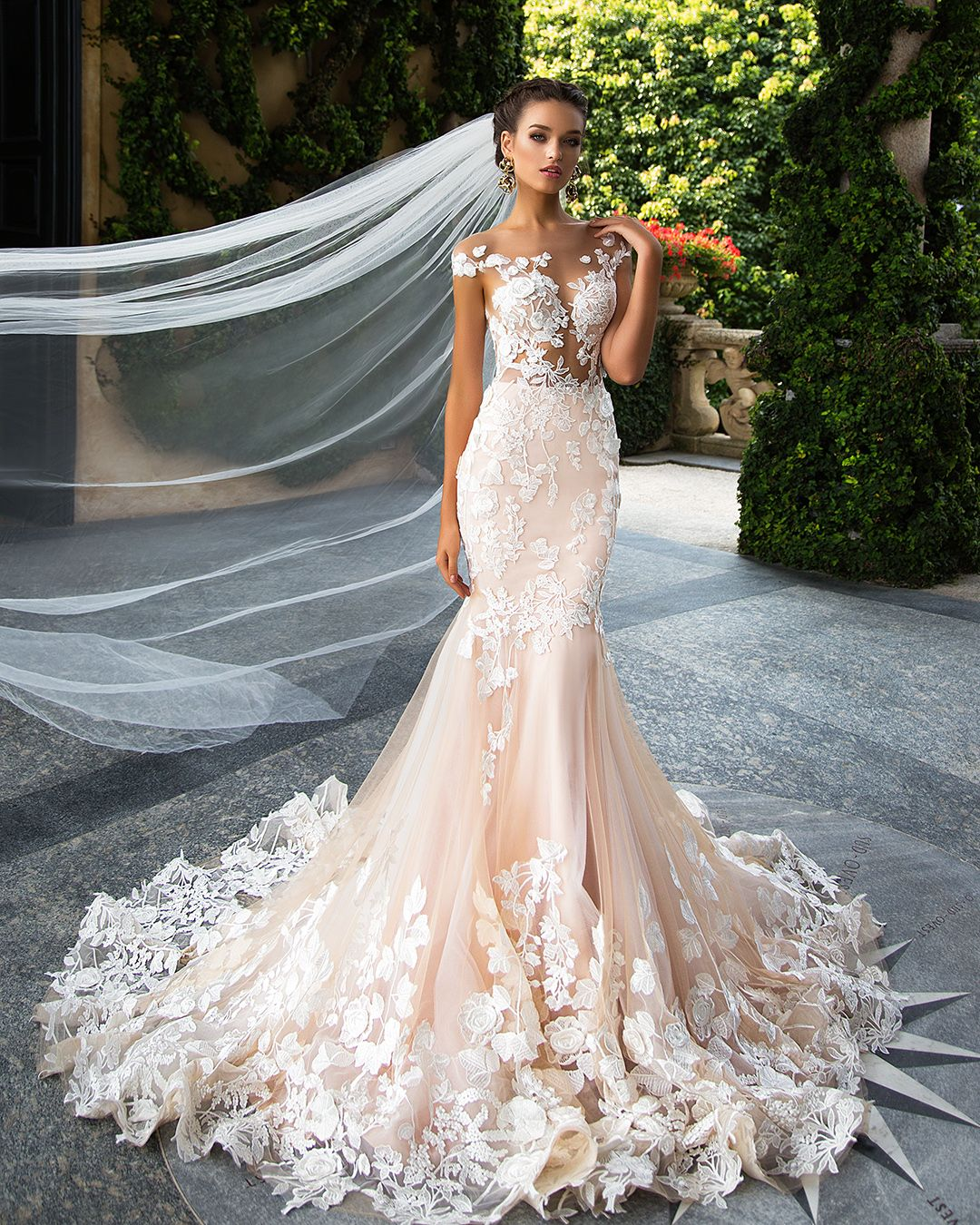 Price Tracker And History Of Romantic Tulle Scoop Neckline Backless Mermaid Wedding Dress Appliques Flowers Lace Natural Waistline Sleeveless Bride Dresses