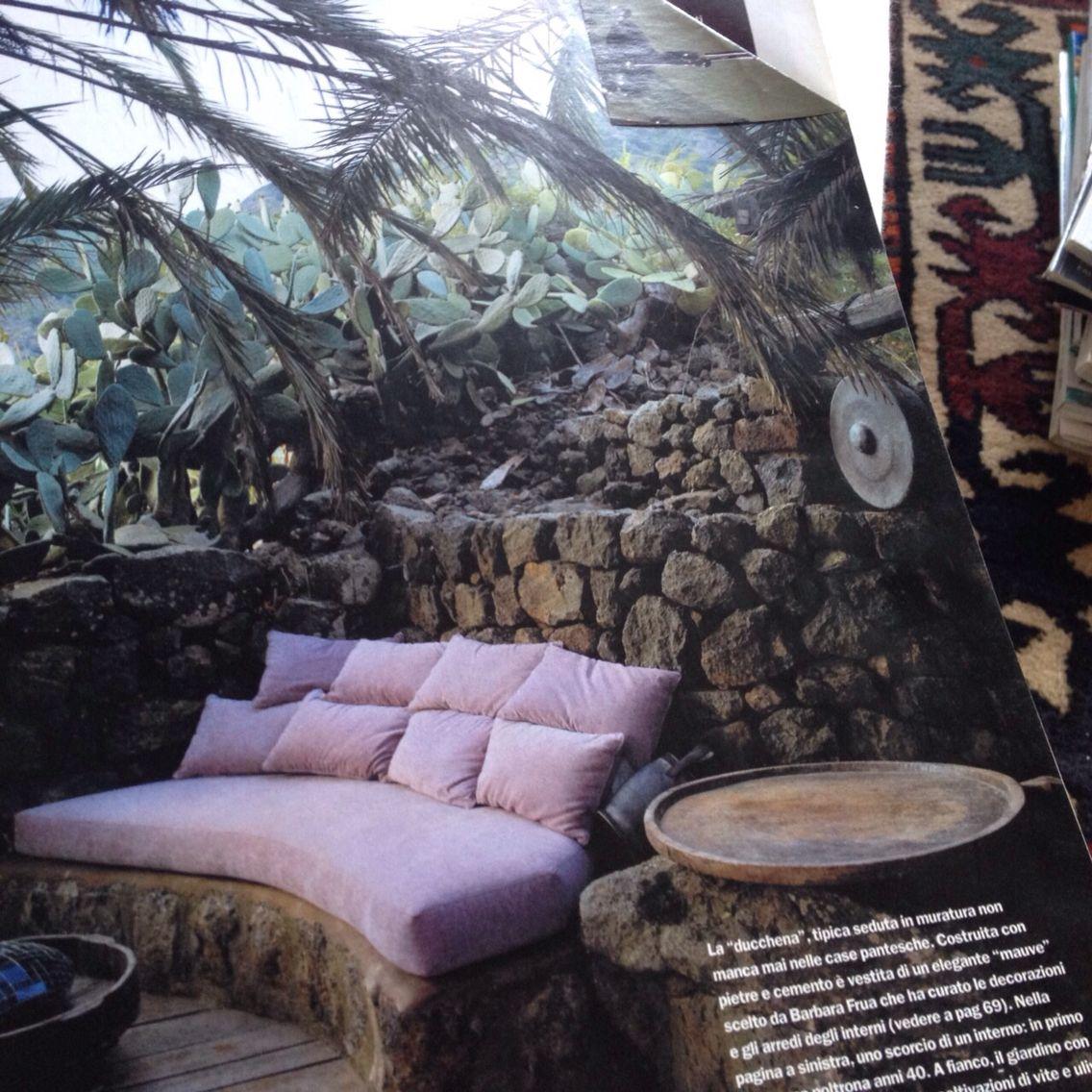 Idea for a cosy hidden spot in the garden