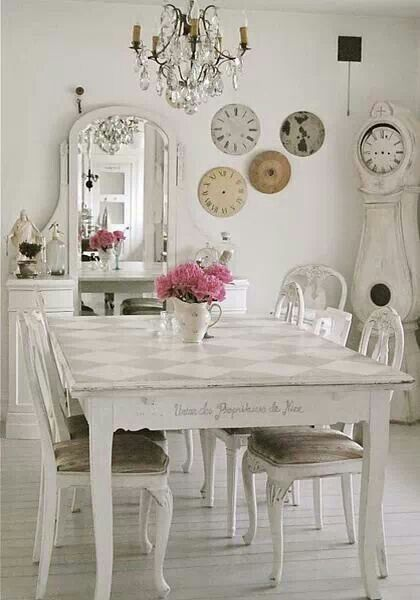 How to Shabby Chic your dark furniture | Comedor shabby chic ...