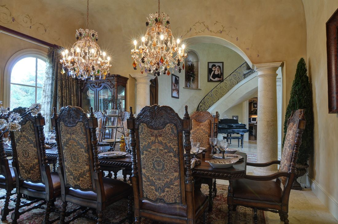 20 gorgeous dining rooms with beautiful chandeliers chandeliers 20 gorgeous dining rooms with beautiful chandeliers arubaitofo Images