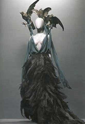Alexander McQueen Savage Beauty -
