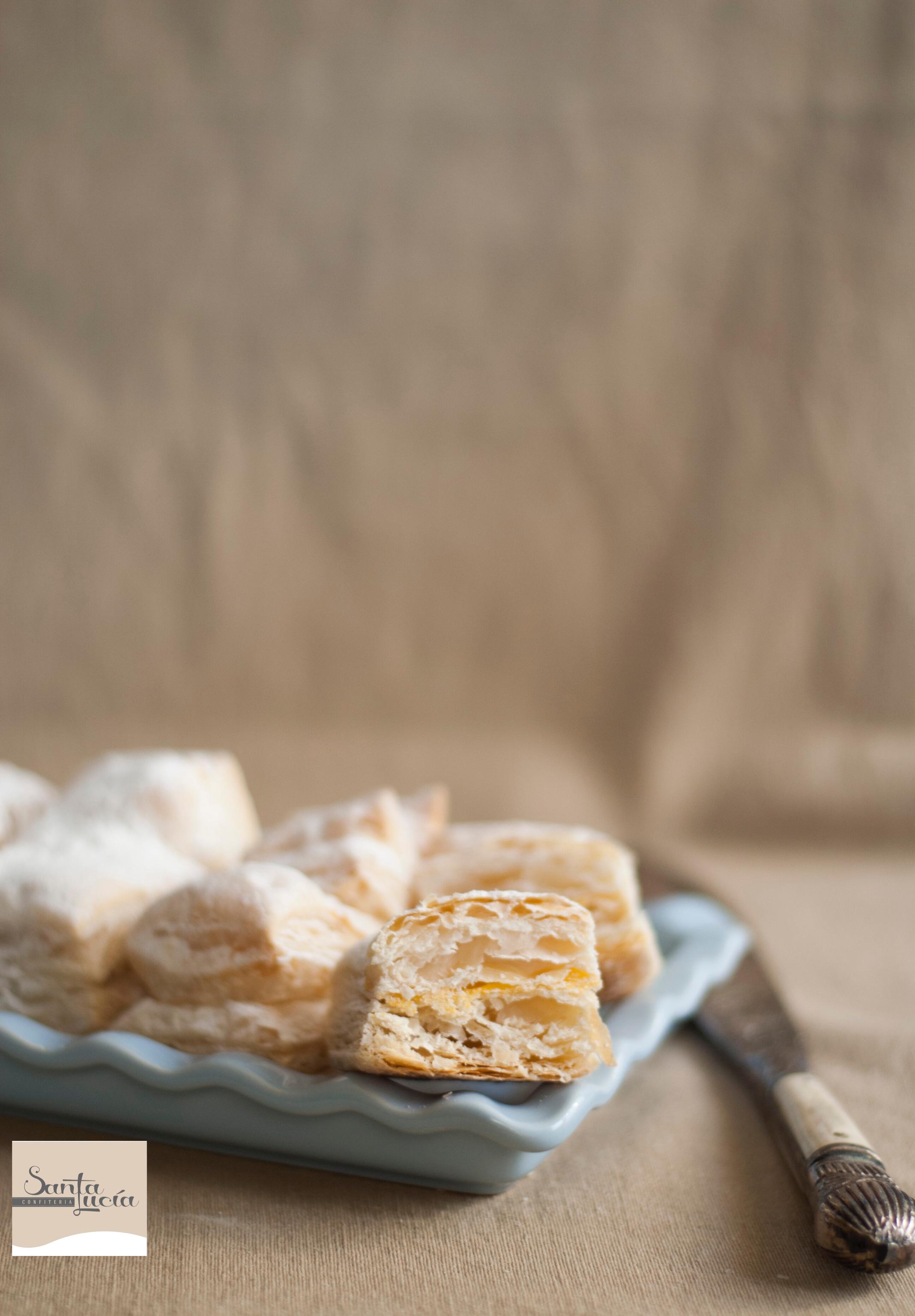 Fin de semana para disfrutar ... para tomar un café con nuestros hojaldres (mirad el interior) y disfrutar a tope!!! #dulce #tartas #desserts #postres #chocolate #goloso #tasty #encargos #picoftheday #sweet #pastelería #food #instafood #cake #gastronomia #pastry #pastryshop #instagram #patisserie #patissier #plazamayordesalamanca #salamanca