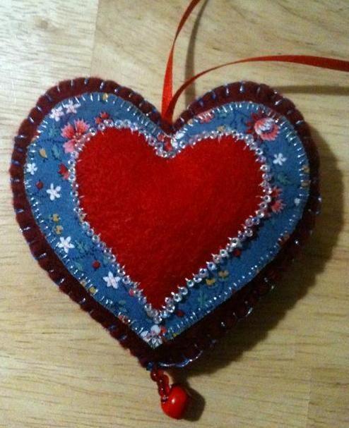 xmas idea nhttp://handmadetalesofdiyderringdo.wordpress.com/tag/christmas/