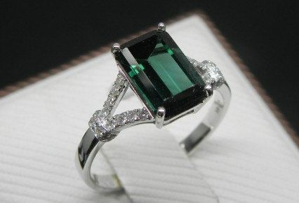 diamond il natural gemstone set tourmaline gold engagement green round white rings cut matching band ring curved